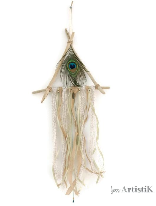 Attrape reves revisité bois flotté plume paon, galerie jess artistik